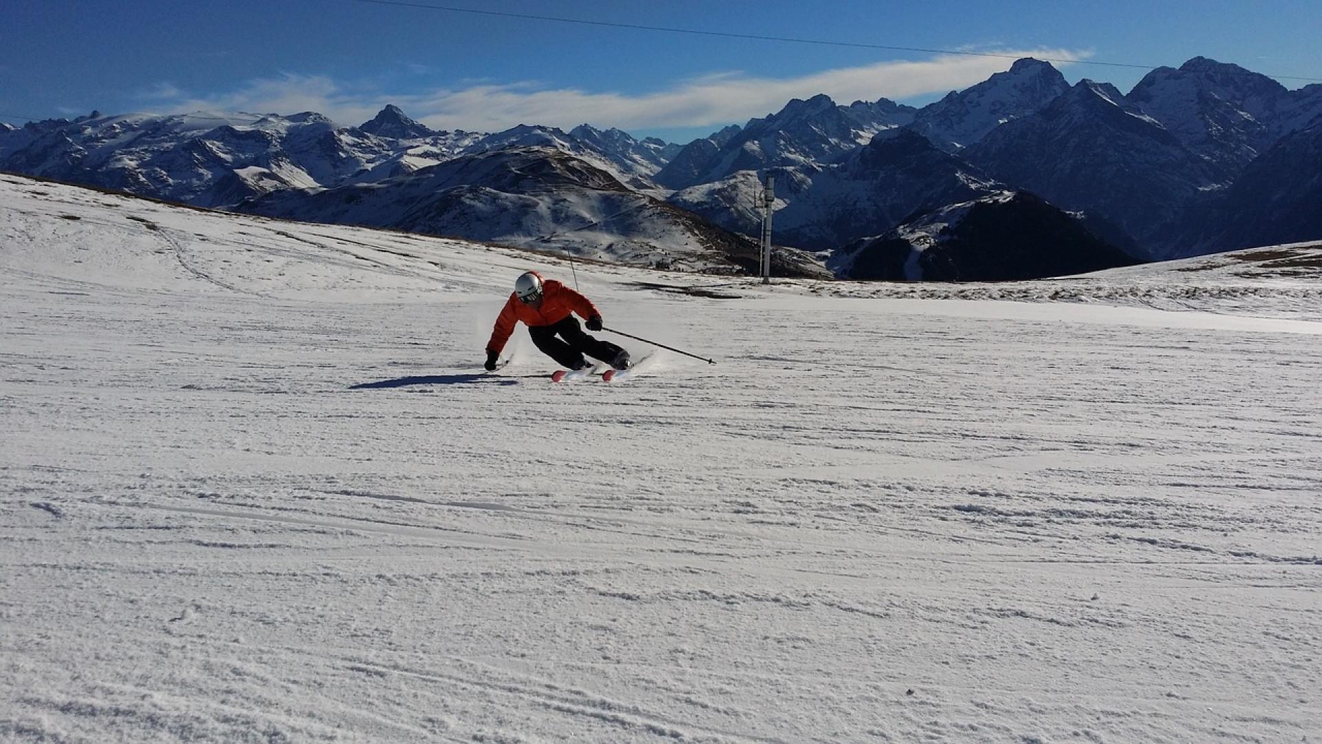 L'hiver approche, les vacances au ski à la montagne aussi