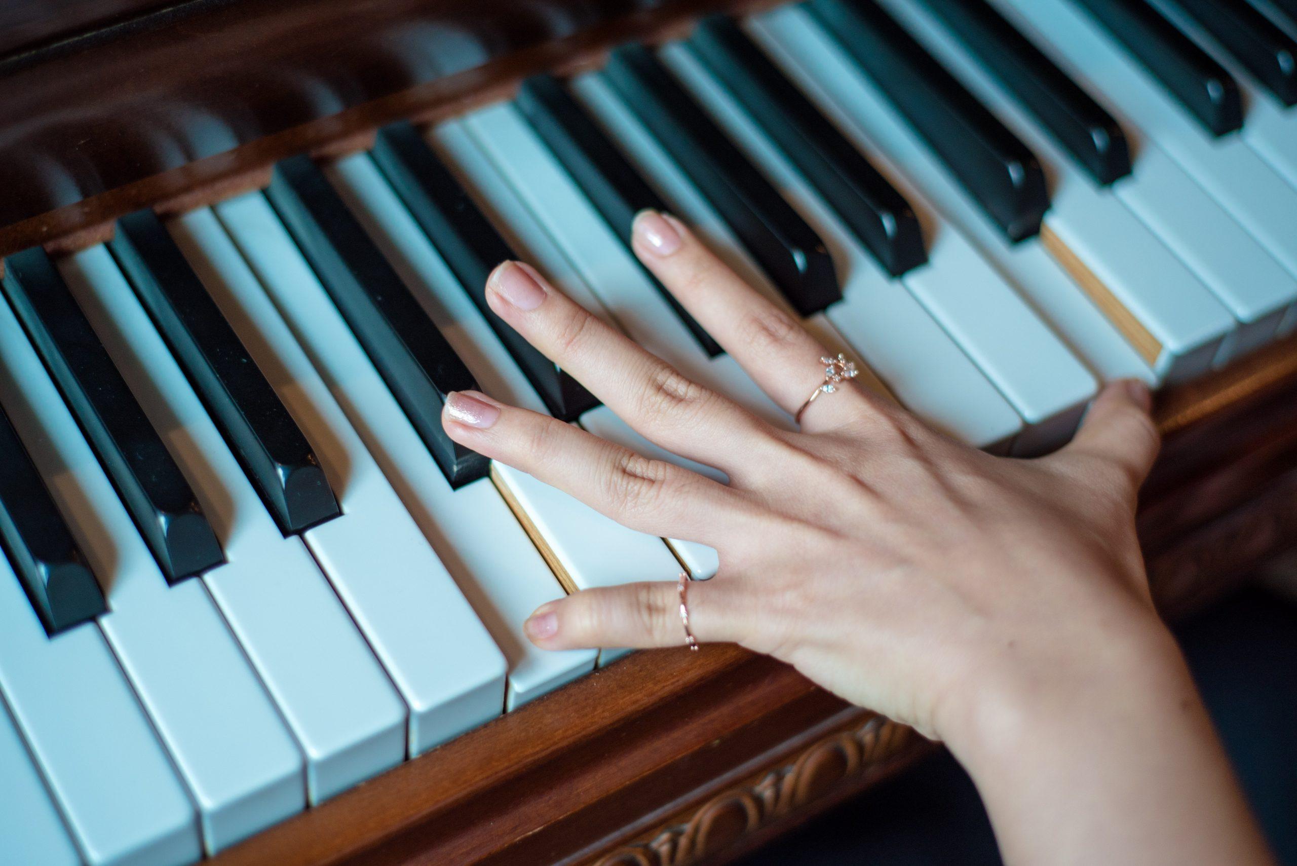 À quel âge faut-il commencer à apprendre le piano ?